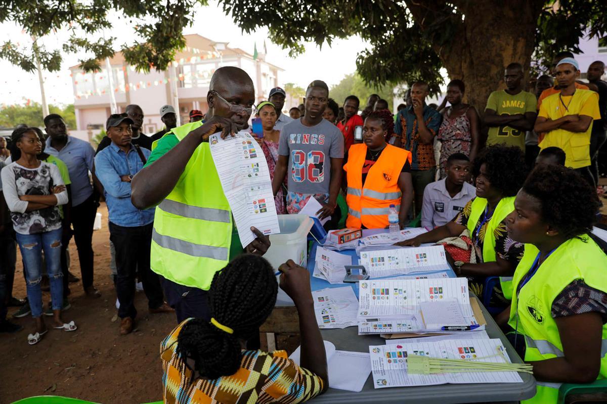 Image result for Hackers adulteraram resultados eleitorais na Guiné Bissau