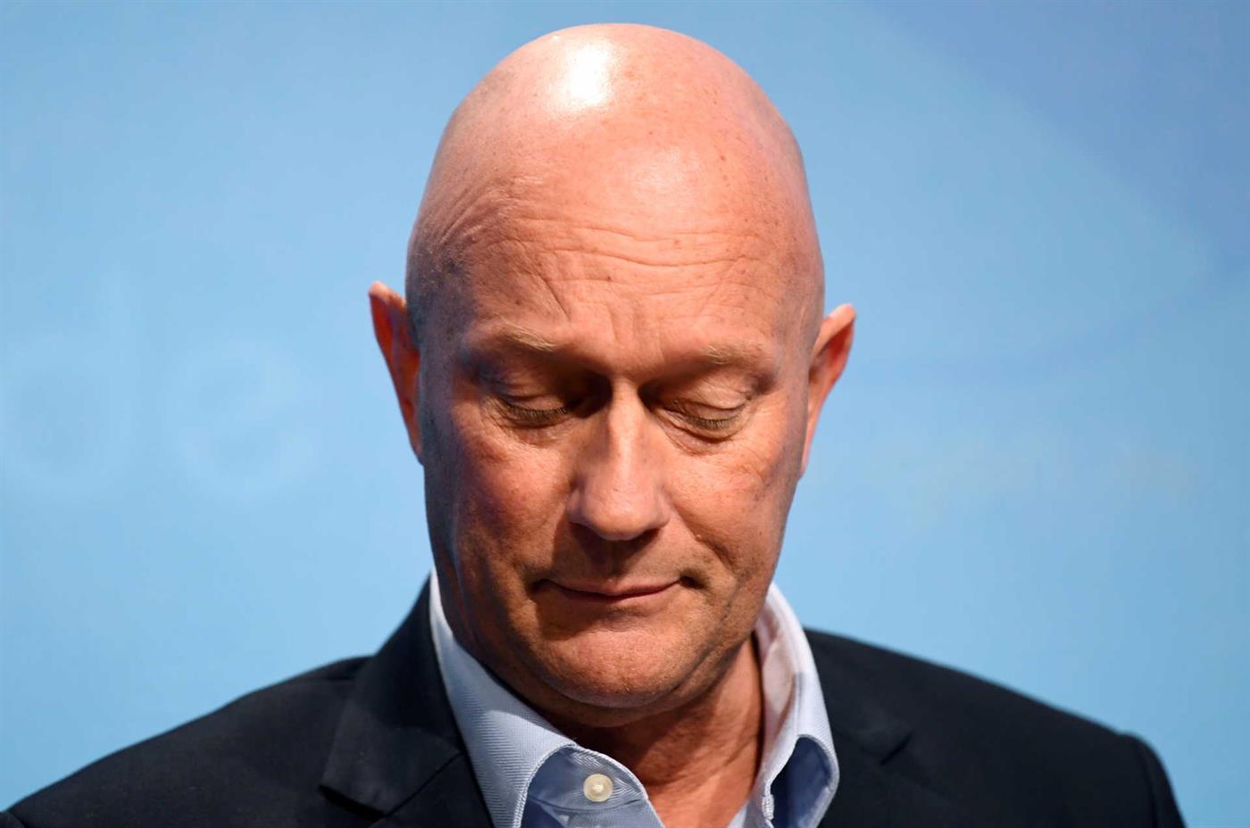 Thomas Kemmerich foi eleito ministro-presidente na quarta-feira e demitiu-se na quinta.