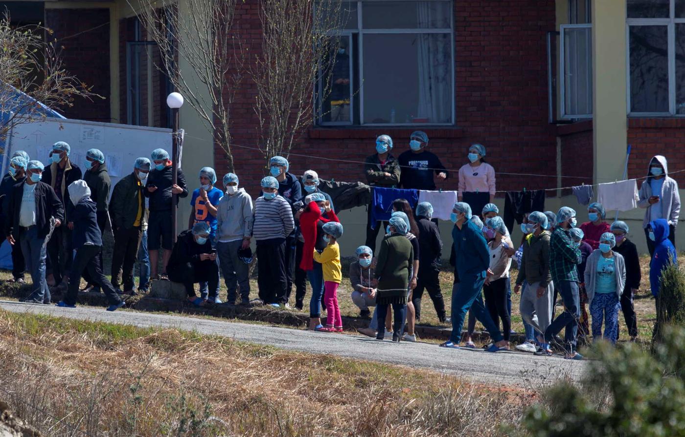 Estudantes nepaleses que estiveram na China ficaram de quarentena. Só saindo a meio de fevereiro.