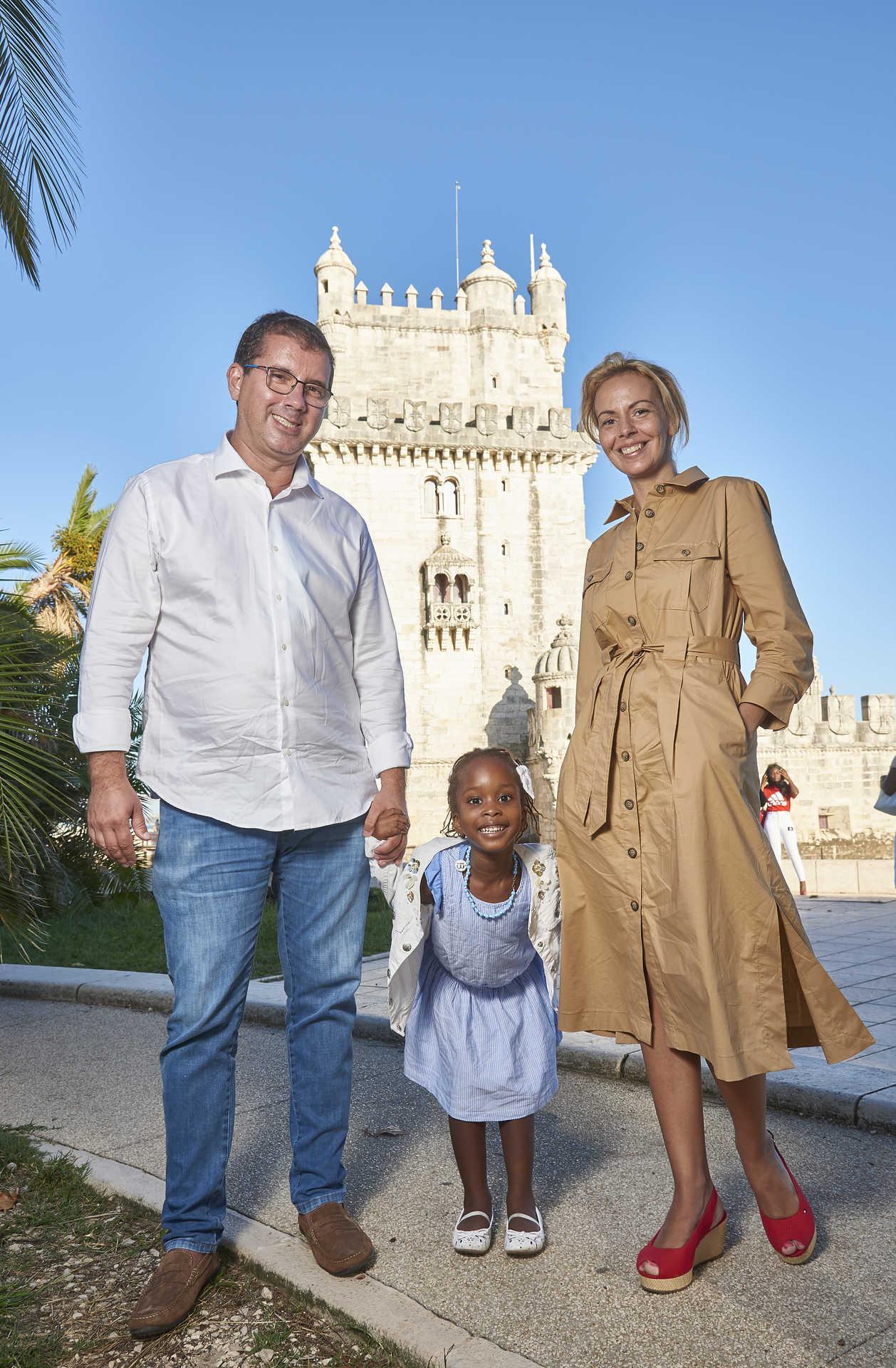 Betinha veio conhecer Portugal com os pais.