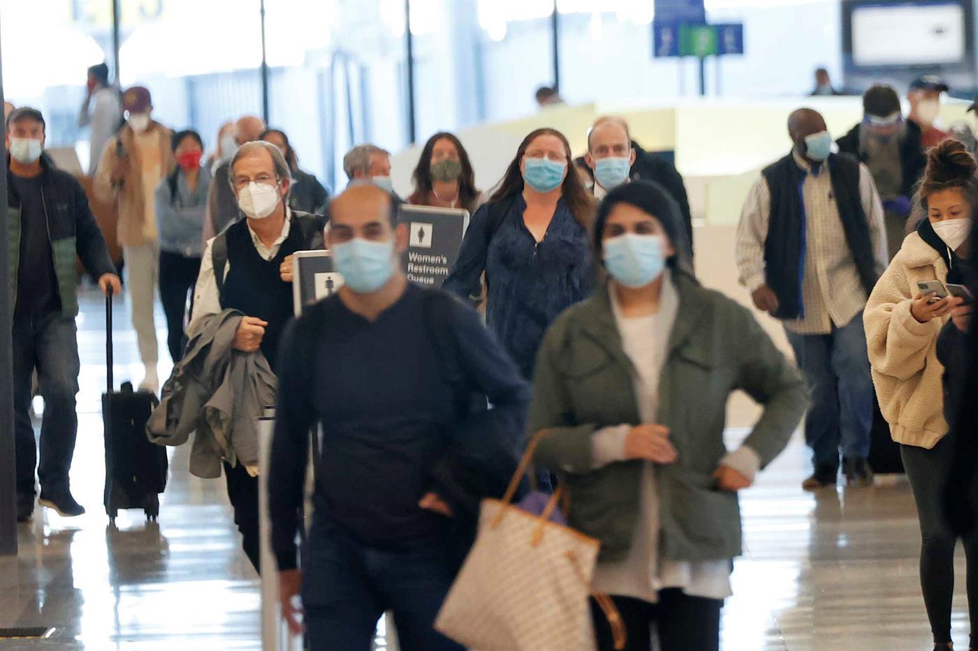O vírus responsável pela pandemia de covid-19 não vai desaparecer, diz especialista norte-americano.