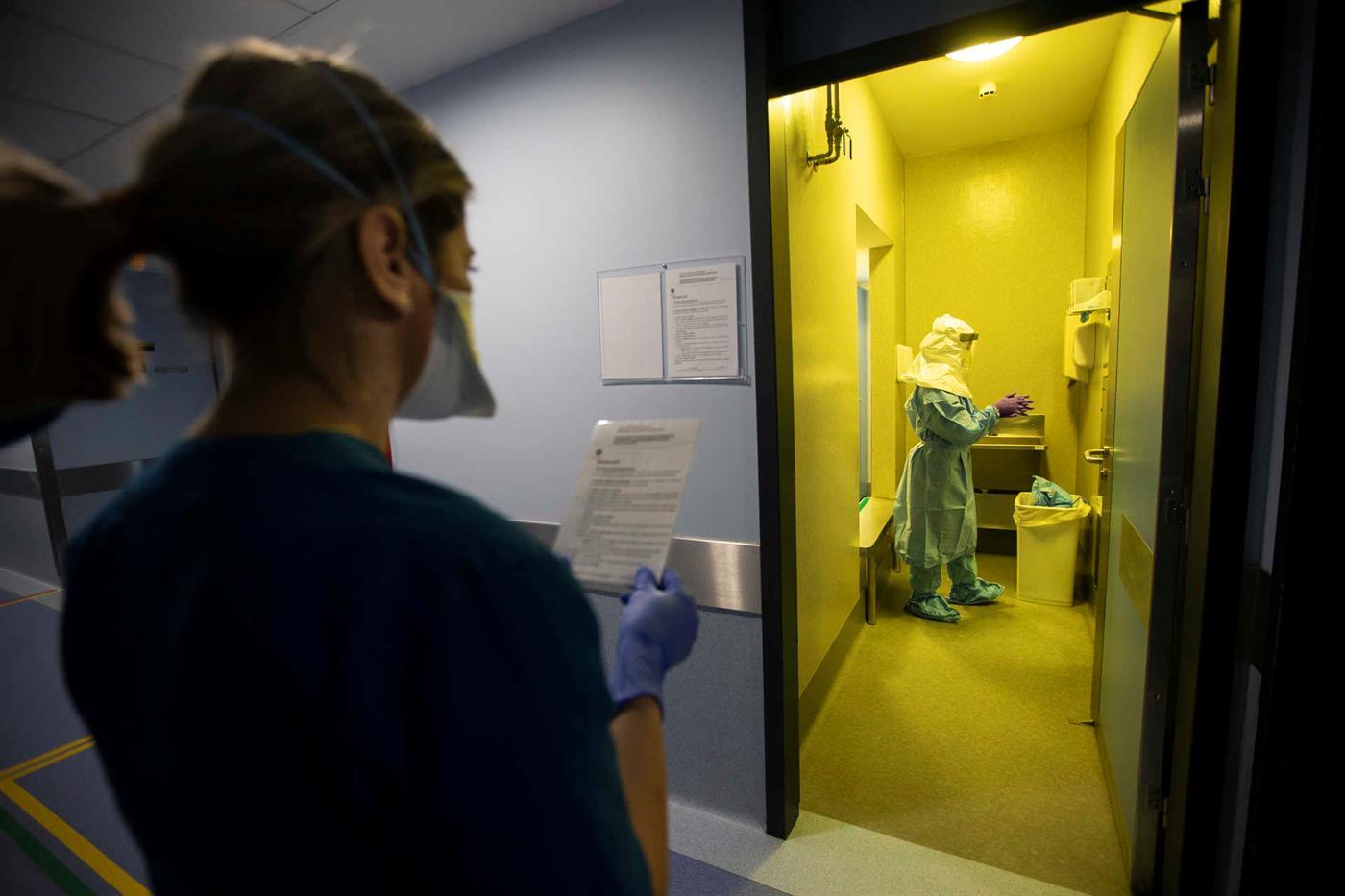 Um dos doentes está no Hospital de São João, o outro no Hospital de Santo António.