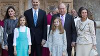 A família real espanhola: o rei Felipe VI e Letizia, com as duas filhas, a infanta Sofia e a herdeira