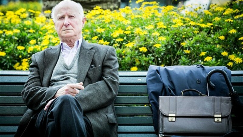 """Resultado de imagem para """"Desde sempre à espera de ninguém"""": Morreu o poeta e tradutor José Bento"""