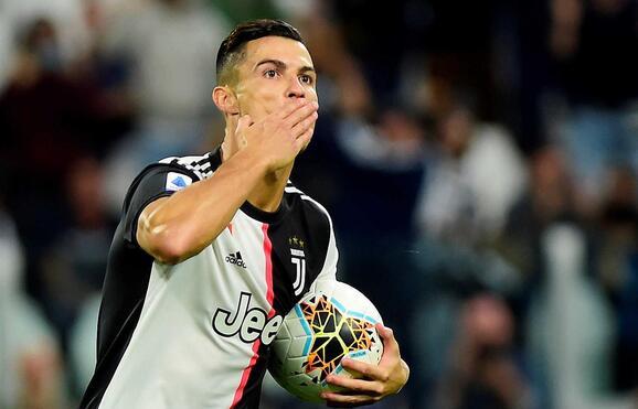 """Resultado de imagem para Ronaldo diz que pode deixar futebol """"daqui a um ano ou dois"""""""