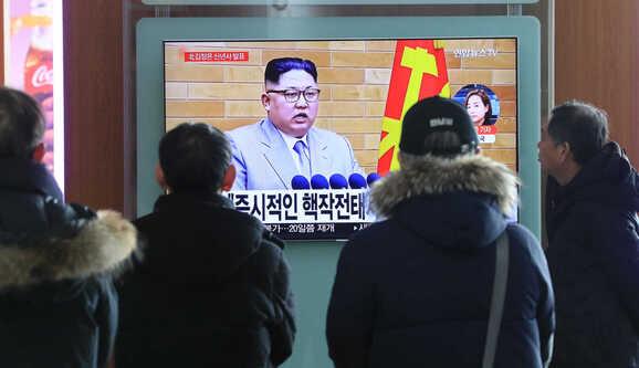 """Resultado de imagem para """"O botão nuclear continua na minha secretária. Não é chantagem, é realidade"""""""