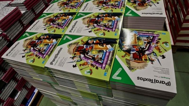 8e0dd295c1a Antecipar compras de manuais para conseguir os melhores descontos