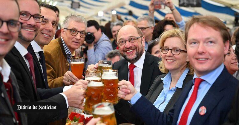 Merkel perde tapete vermelho e Schulz pode mesmo ganhar