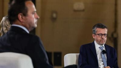 Fernando Medina (PS) e Carlos Moedas (PSD) parecem estar a disputar taco a taco a presidência da câmara