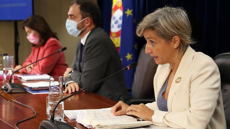 Governo pôs duas ministras e um secretário de Estado a refutar todas as acusações do Bloco de Esquerda.