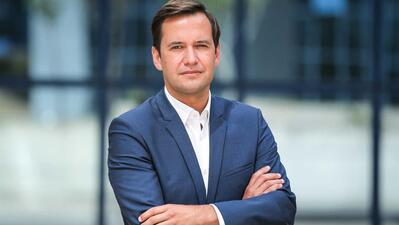 """Médico infecciologista, de 41 anos, Ricardo Baptista Leite é candidato sob o lema """"Vamos Curar Sintra""""."""