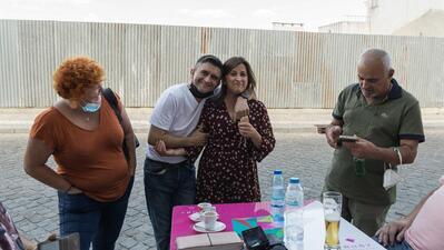 Paula Chuço (centro com Hélder Ganhão), festejou até às 04:00 e os  abraços e telefonemas não pararam.