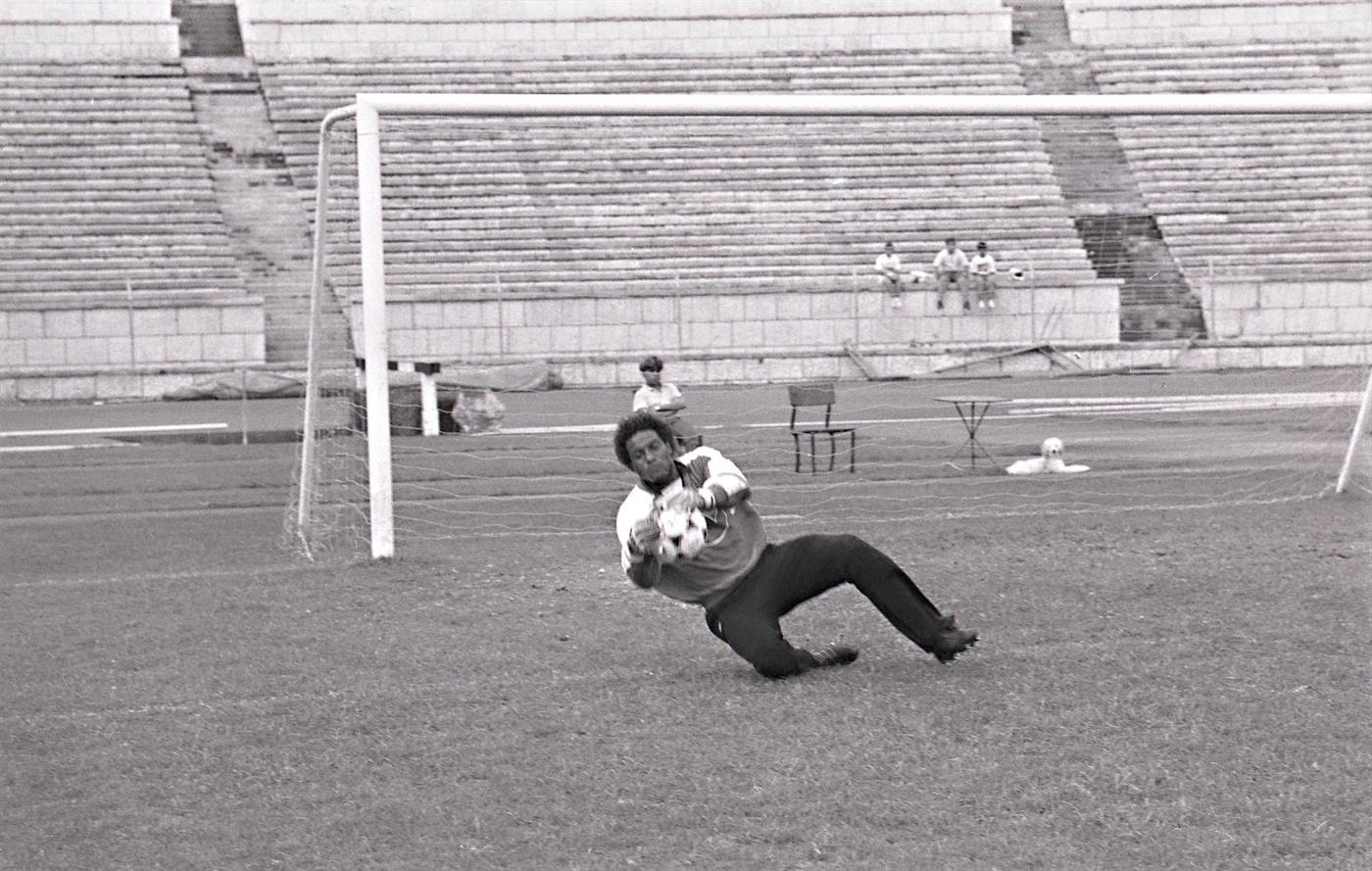 Neno fotografado em 1989 num treino da seleção nacional de futebol no estádio do Jamor, para a preparação