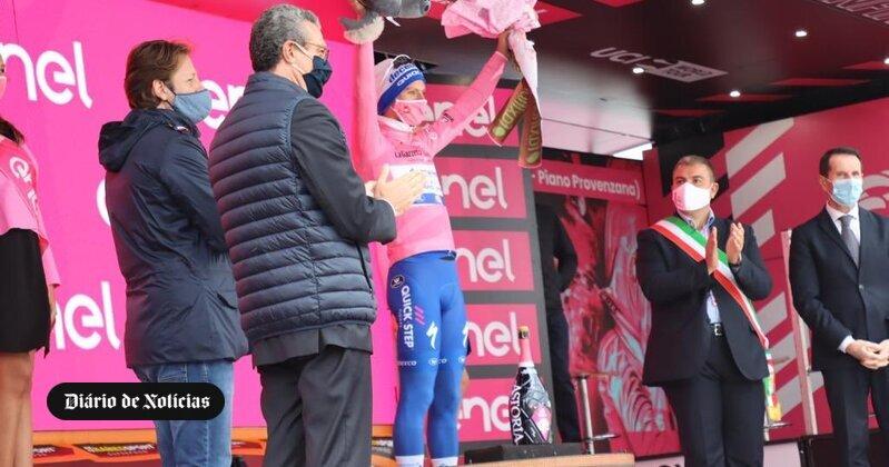 Quase fez história. João Almeida foi segundo na 1.ª etapa