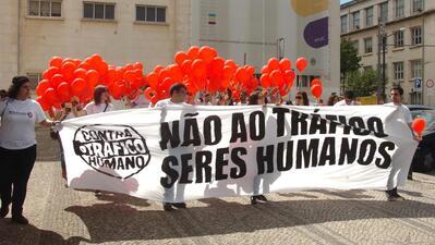 Em Portugal têm sido efetuados vários alertas públicos sobre o tráfico de seres humanos.