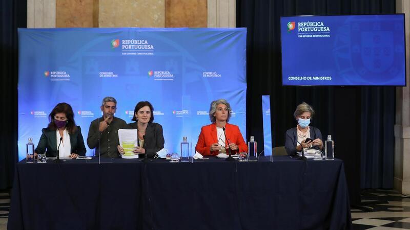 Governo aprova Estatuto do SNS, alterações à lei laboral e na Cultura