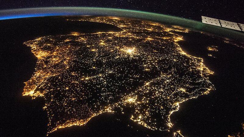Uma vista de Portugal vista do espaço.