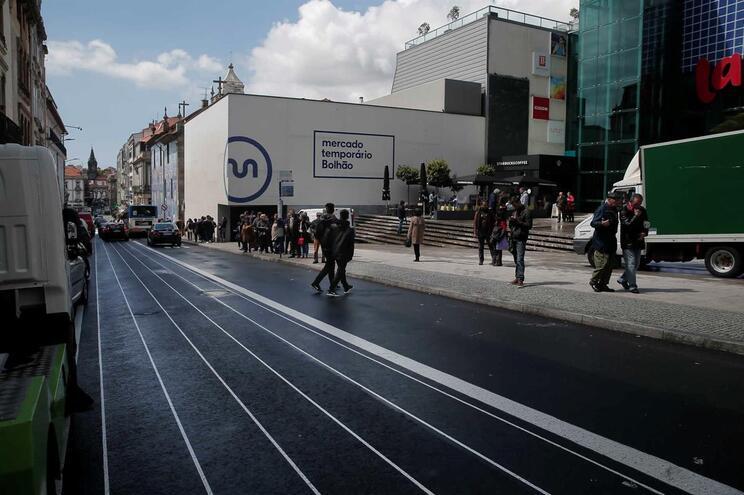 Rua Fernandes Tomás, onde vai estar situado o Mercado Temporário do Bolhão