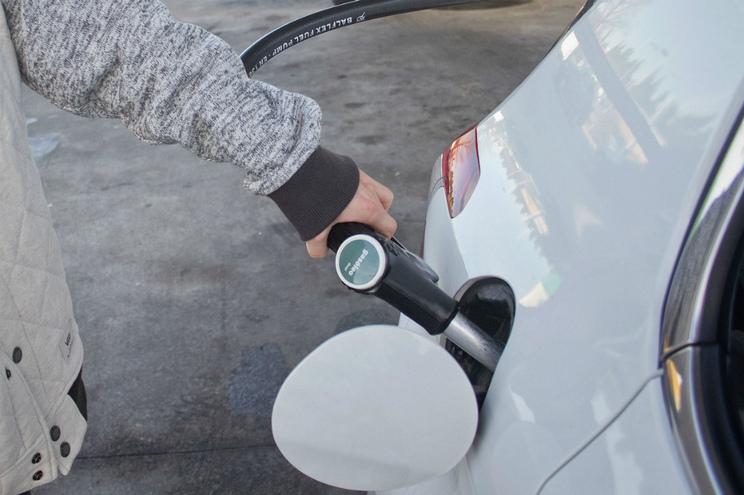 Portugal teve a segunda maior quebra das vendas de carros novos a gasóleo no ano passado, em toda a Europa