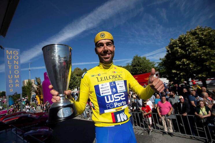 Ricardo Mestre, da W52 FC Porto, vencedor da 29.ª edição do Grande Prémio de Ciclismo Jornal de Notícias/Leilosoc