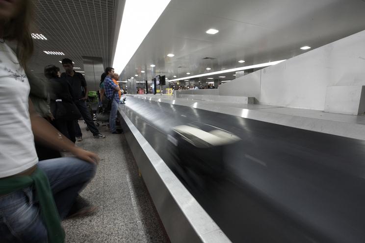 Mulheres tinham cocaína dissimulada na bagagem