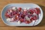 Salada de melancia, queijo feta e cebola roxa