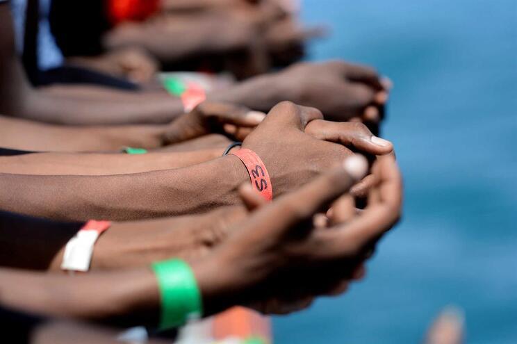 Morrem mais migrantes no Mediterrâneoapesar de travessias diminuírem