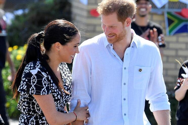 Príncipe Harry e Meghan afastam-se dos compromissos oficiais
