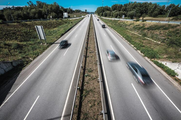 Radares que registam velocidade média  na estrada já em 2021