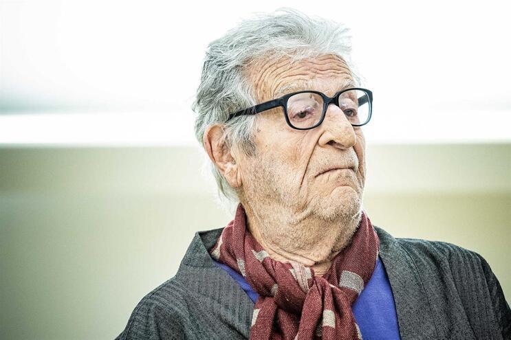 Assembleia da República manifesta pesar pela morte do artista Fernando Lemos