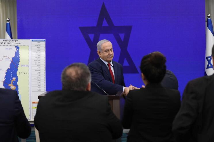 Netanyahu retirado de ação de campanha após alerta de ataque aéreo