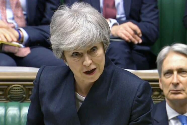 Theresa May no parlamento após o Conselho Europeu