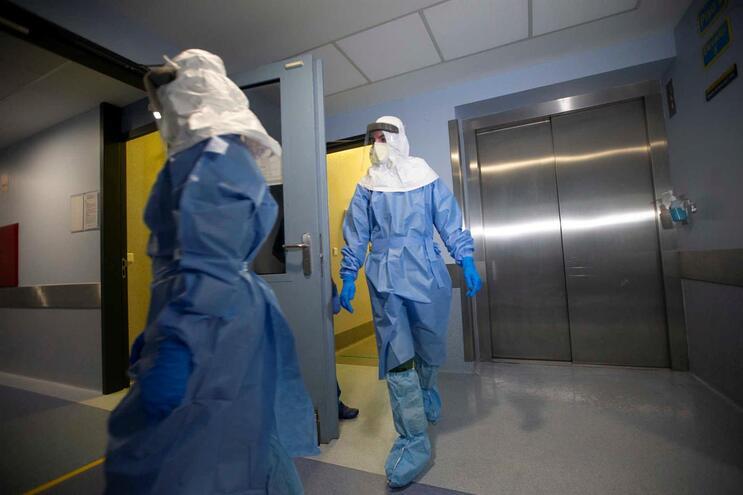 """Neste momento, """"o risco para a saúde pública em Portugal é considerado moderado a elevado"""""""