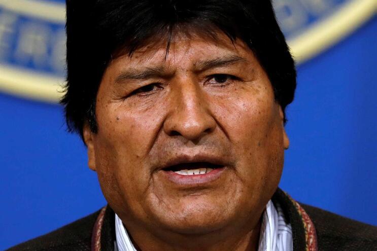 Presidente da Bolívia renuncia ao mandato