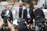 Pedro Salinas, François Devaux, Francesco Zanardi e Peter Iseley, vítimas de abuso, ontem, junto do Vaticano