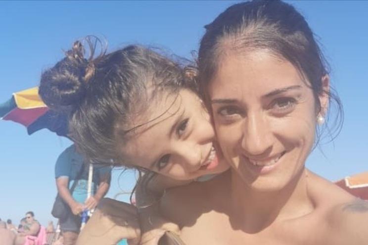 Menina com necrose no pé após ferida não tratada em hospital do Algarve