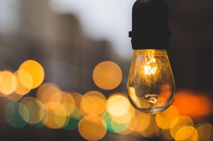 A medida de redução do IVA na fatura da eletricidade foi aprovada na quinta-feira em Conselho de Ministros