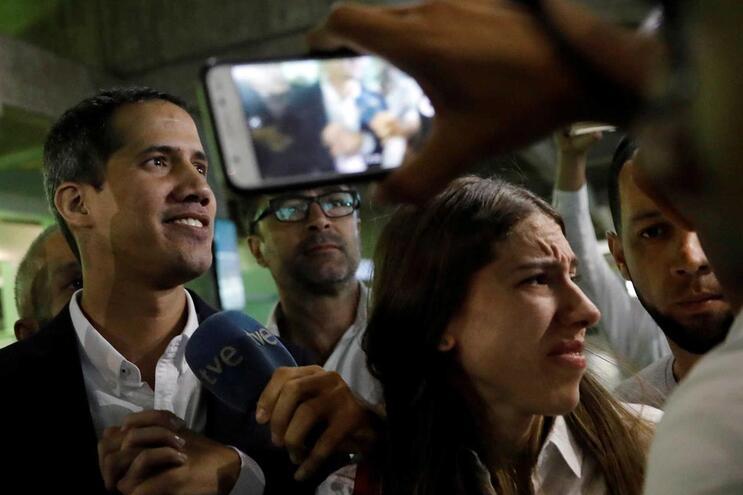 """Washington promete """"reação rápida"""" a qualquer ameaça a Guaidó"""