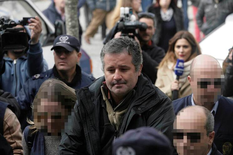 Pedro Dias condenadopor furto de aves exóticas