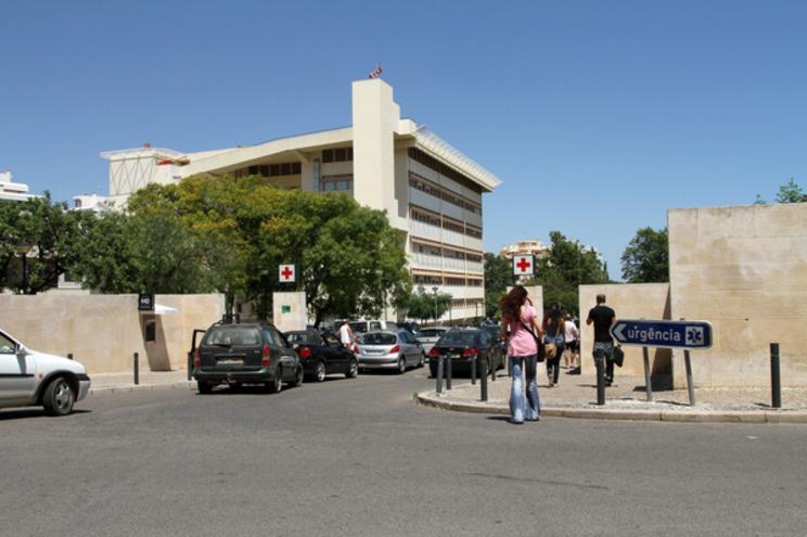 Homem estava internado no Hospital de Faro