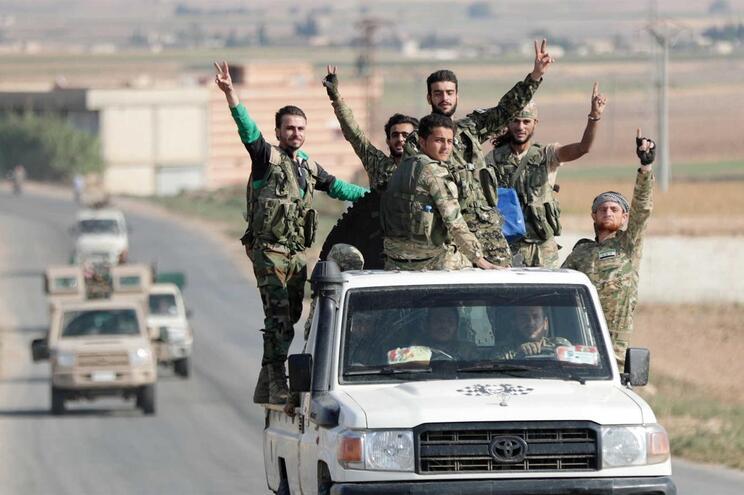 Soldados turcos na fronteira com a Síria