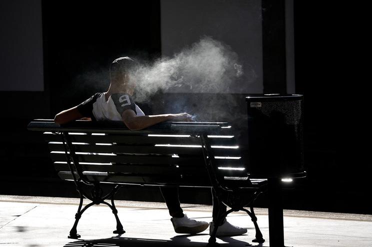 Quase 20% da população adulta do mundo fuma