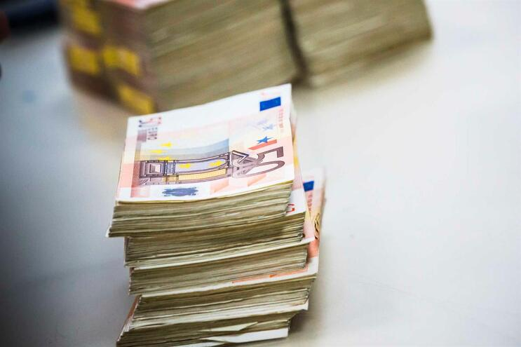 Famílias portuguesas já perderam 3,9 mil milhões de euros