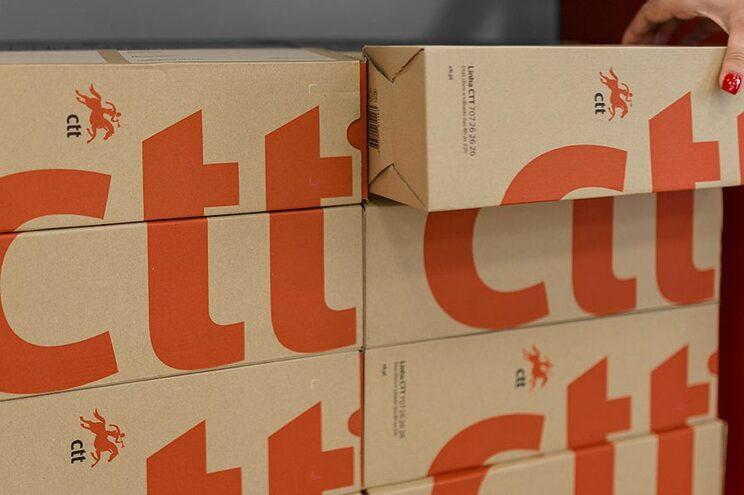 Lojas dos CTT com café e raspadinhas