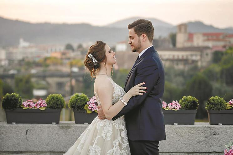 Casamentos aumentam para níveis de 2012