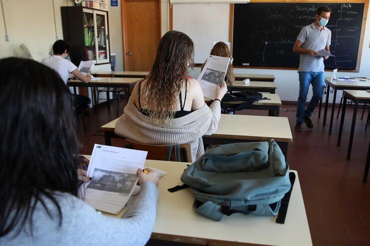 Pressão dos trabalhos de casa coloca Portugal entre os piores países em estudo da OMS