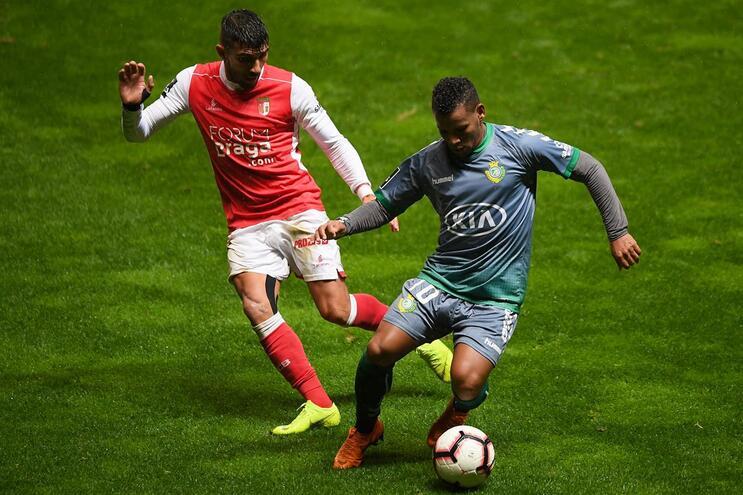 Braga vence V. Setúbal e junta-se ao F. C. Porto na liderança