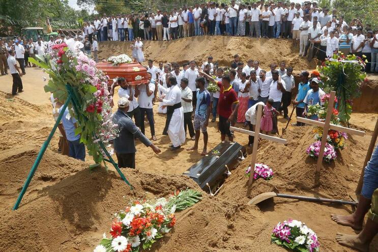 Número de mortos de atentado no Sri Lanka subiu para os 310