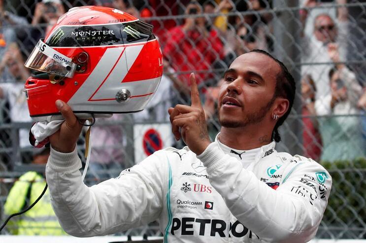 Hamilton conquista Mónaco e dispara na frente