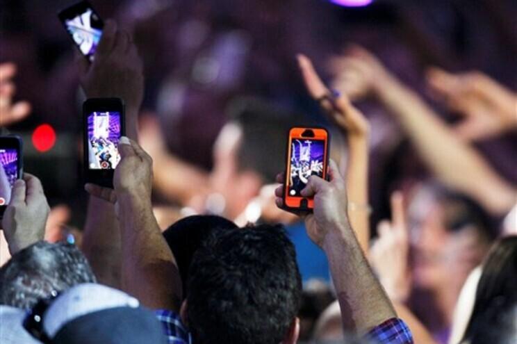 Hackers chineses terão acedido a mensagens de texto de milhares de estrangeiros